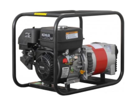 20-3501KSBSE - Áramfejlesztő AGT 3501 KSB SE -    STANDARD LINE AGT 3501 KSB-SE benzines áramfejlesztő        Termékelőnyök:   Kompakt, kis súlyú áramfejlesztő Hagyományosfémkeret, egyszerű mozgatás Erős, megbízható, eredeti, ipari KOHLER OHV motor Rezgéscsillapító gumibakok 3000 fordulat/perc Hővédelemmel ellátott generátor Olajszenzor a motoron Kézi (berántós) kivitel Léghűtéses motor    AzAGT 3501 KSB-SE áramfejlesztő javasolt felhasználási területei:   Professzionális használatra ajánlott Azépítőipari igényeknek megfelelő kialakítás, nyitott keret Könnyen szállítható, mozgatható Kisebb elektromos gépek üzemeltetésére kiválóan alkalmas       Tudta?  A hővédelemmel ellátott generátor megóvja az áramfejlesztőt a túlterheléstől.  A motoron találhatóolajszenzor leállítja a motort, ha abban a megengedettnél kevesebb olaj van.  Minden használat előtt ellenőrizze a motorolaj szintjét!    FIGYELMEZTETÉS!  Az AGT áramfejlesztőkhasználata előtt minden esetben olvassa el a gépekhez mellékelthasználati utasítást.           Teljesítmény (kVA) 3,0 Fázisonkénti áramerősség (A) 16,0   Feszültség (V) 230 Fáziseltolódás (cos ᵠ) 1   Frekvencia (Hz) 50 IP védettség IP23   Motor KOHLER OHV Zajszint (dB) 69   Üzemanyagtank (liter) 3,6 Nettó/ bruttó súly (kg) 42 / 47   Hengerûrtartalom (cm3) 196 Csomagolási méret h*sz*m (mm) 600×400×450   Generátor szinkron Csomagolás kartondoboz   Dugalj a készüléken(230V/16A) 2 db SCHUKO VTSZ 8502.2020   Hővédelem a generátoron van     Olajszenzor a motoron van