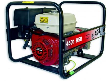 20-4501HSB - Áramfejlesztő AGT 4501 HSB - STANDARDLINE  AGT 4501 HSB benzines áramfejlesztő            Termékelőnyök:   Kompakt, kis súlyú áramfejlesztő Hagyományos erős fémkeret, Erős, megbízható, eredeti, ipari HONDA motor Rendelhető kerékszett a könnyebb mozgatásért Rezgéscsillapító gumibakok 3000 fordulat/perc Hővédelemmel ellátott generátor Olajszenzor a motoron Kézi (berántós) kivitel Léghűtéses motor Üzemóra számláló    AzAGT 4501 HSB áramfejlesztő javasolt felhasználási területei:   Professzionális használatra ajánlott Azépítőipari igényeknek megfelelő kialakítás, nyitott keret Könnyen szállítható, mozgatható Kisebb elektromos gépek üzemeltetésére kiválóan alkalmas         Rendelhető opciók:   kerékszett elektromos indítás AVR - automatikus feszültségszabályozás   Tudta?  A hővédelemmel ellátott generátor megóvja az áramfejlesztőt a túlterheléstől.  A motoron találhatóolajszenzor leállítja a motort, ha abban a megengedettnél kevesebb olaj van.  Minden használat előtt ellenőrizze a motorolaj szintjét!    FIGYELMEZTETÉS!  Az AGT áramfejlesztőkhasználata előtt minden esetben olvassa el a gépekhez mellékelthasználati utasítást.       Teljesítmény (kVA) 4,2 Fázisonkénti áramerősség (A) 18,2   Feszültség (V) 230 Fáziseltolódás (cos ᵠ) 1   Frekvencia (Hz) 50 IP védettség IP23   Motor HONDA GX270 Zajszint (dB) 70   Üzemanyagtank (liter) 5,3 Nettó/ bruttó súly (kg) 58 / 63   Hengerûrtartalom (cm3) 270 Csomagolási méret h*sz*m (mm) 750×540×550   Generátor szinkron Csomagolás kartondoboz   Dugalj a készüléken(230V/16A) 2 db SCHUKO VTSZ 8502.2020   Hővédelem a generátoron van Kerékszett rendelhető   Olajszenzor a motoron van Elektromos indítás rendelhető   AVR (automatikus feszültségszabályozás) rendelhető