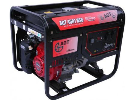 20-4501HSBTTL - Áramfejlesztő AGT 4501 HSB TTL -   TTL COMPACT TECH LINE  AGT 4501 HSB TTL hordozható, benzines áramfejlesztő            Termékelőnyök:   Kompakt, kis súlyú áramfejlesztő Automatikus feszültségszabályozóval (AVR) ellátott generátor Hagyományosfémkeret, egyszerű mozgatás Erős, megbízható, eredeti, ipari HONDA motor Üzemidő: akár 11 óra 3000 fordulat/perc Rezgéscsillapító gumibakok Hővédelemmel ellátott generátor Olajszenzor a motoron Kézi (berántós) kivitel    AzAGT 4501 HSB TTL áramfejlesztő javasolt felhasználási területei:   Professzionális használatra ajánlott Azépítőipari igényeknek megfelelő kialakítás, nyitott keret Könnyen szállítható, mozgatható Kisebb elektromos gépek üzemeltetésére kiválóan alkalmas       Tudta?  A hővédelemmel ellátott generátor megóvja az áramfejlesztőt a túlterheléstől.  A motoron találhatóolajszenzor leállítja a motort, ha abban a megengedettnél kevesebb olaj van.  Minden használat előtt ellenőrizze a motorolaj szintjét!   FIGYELMEZTETÉS!  Az AGT áramfejlesztőkhasználata előtt minden esetben olvassa el a gépekhez mellékelthasználati utasítást.       Teljesítmény (kVA) 4,6 Fázisonkénti áramerősség (A) 19,9   Feszültség (V) 230 Fáziseltolódás (cos ᵠ) 1   Frekvencia (Hz) 50 IP védettség IP23   Motor HONDA GX270 Zajszint (dB) 68   Üzemanyagtank (liter) 25 Nettó/ bruttó súly (kg) 78 / 82   Hengerûrtartalom (cm3) 270 Csomagolási méret h*sz*m (mm) 722×530×582   Generátor szinkron Csomagolás kartondoboz   Dugalj a készüléken(230V/16A) 2 db SCHUKO VTSZ 8502.2020   Hővédelem a generátoron van     Olajszenzor a motoron van