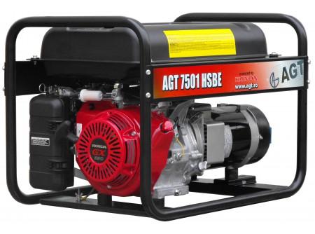 20-7501HSBER26 - Áramfejlesztő AGT 7501 HSBE R26 - AGT 7501 HSBE R26benzinesáramfejlesztő        Termékelőnyök:   Kompaktáramfejlesztő Hagyományos erős, masszívfémkeret Erős, megbízható, eredeti, ipari HONDA motor Rezgéscsillapító gumibakok 3000 fordulat/perc Hővédelemmel ellátott generátor Olajszenzor a motoron Léghűtéses motor Üzemóra számláló Elektromos indítás    AzAGT 7501 HSBE R26áramfejlesztő javasolt felhasználási területei:   Ipari használatra ajánlott Azépítőipari igényeknek megfelelő kialakítás, nyitott keret Hordozható, benzinmotoros áramfejlesztő Könnyen szállítható, mozgatható Kisebb elektromos gépek üzemeltetésére kiválóan alkalmas              Teljesítmény (kVA) 6,4 Fázisonkénti áramerősség (A) 27,7   Feszültség (V) 230 Fáziseltolódás (cos ᵠ) 1   Frekvencia (Hz) 50 IP védettség IP23   Motor HONDA GX390 Zajszint (dB) 71   Üzemanyagtank (liter) 26 Nettó/ bruttó súly (kg) 85 / 90   Hengerûrtartalom (cm3) 389 Csomagolási méret h*sz*m (mm) 750×540×576   Generátor szinkron Csomagolás kartondoboz   Dugalj a készüléken(230V/16A,32A) 2 db SCHUKO VTSZ 8502.2020   Hővédelem a generátoron van     Olajszenzor a motoron van     Üzemóra számláló van