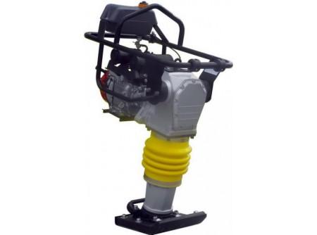 20-CV76H - Döngölőgép AGT CV76H (HONDA GX120) -    Az AGT döngölőelőnyei:      ● Eredeti HONDA GX120 motor  ● Körbefutó védőkeret a sérülések kivédésére  ● Vibrációcsökkentő motortartók  ● Alacsony súlypont, könnyű, biztonságos kezelés  ● Többlépcsős benzinszűrő  ● Kényelmes gázkar a könnyű kezelésért, acélházas bovden  ● Teljesen zárt, folyamatos kenésű olajrendszer, napi zsírozása nem szükséges  ● Egyszerű, pontos olajszint ellenőrzés  ● Súly 70kg            Szállítási kód  15    Motor  HONDA GX120    Motor teljesítmény (LE/kW)  4,0 / 3,0    Hengerûrtartalom (cm3)  118    Üzemanyag  benzin    Tank (liter)  2,8    Talp mérete (mm)  330×290    Ütőerő (kN)  13,7    Ütésszám (1/perc)  650-690    Súly (kg)  70    Csomagolás  egyedi raklap    VTSZ  8430.6100