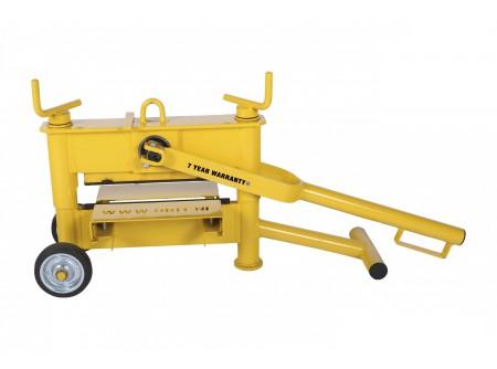 3300-TS-1021-000 - Kőroppantó ORIT 3300TS -    Kőroppantó (kétorsós magasság állítás)     • Robusztus, tartós kivitel  • Gyors magasságállítás  • Hatékony munkavégzés  • Pontos törés  • Cserélhető, forgatható, 4 élű kések  • Könnyen használható, mozgatható  •Max.törési vastagság 10-120mm            Szállítási kód  20    Súly (kg)  37    Max. törési hossz (mm)  330    Max. törési vastagság (mm)  10 - 120    Magasságállító orsó (db)  2    Törés/ működés  kézi    Törőél típus  4 élű    VTSZ  8464.9000