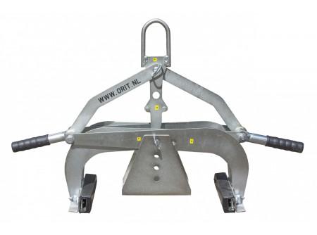 H-360-350-0000-000 - Általános emelő ORIT H-360 -  ORIT GÉPI EMELŐ   H-360 típus: átfordítható pofák, gumi és vídia betéttel Emelés, kiszedés, igazítás vagy áthelyezés (építőipari/ szerkezeti elemekhez) Nagyon olcsó megoldás, a gyári adaptereknél lényegesen kedvezőbb áron! Mindenféle gépre alkalmazható /targonca, földmunkagép, stb./ csak fel kell függeszteni a gépre és már emelhet is! Automata mechanikus záródás és kioldás.   Befogható méret: 0 - 36 cm Befogható magasság: 14 cm (állítható) Fogóelem hossza: 23 cm Súly:11,5 kg Emelési súly: 350 kg
