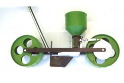 R4 mini farmer rezgőnyelves vetőgép (sorkerekes, nyéllel)  93-2060